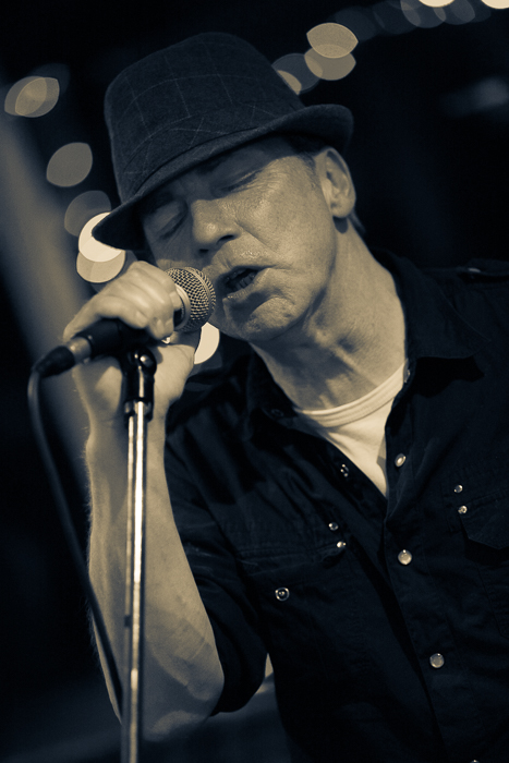 Cheshire commercial performer photography. Graeme Reece live Chester