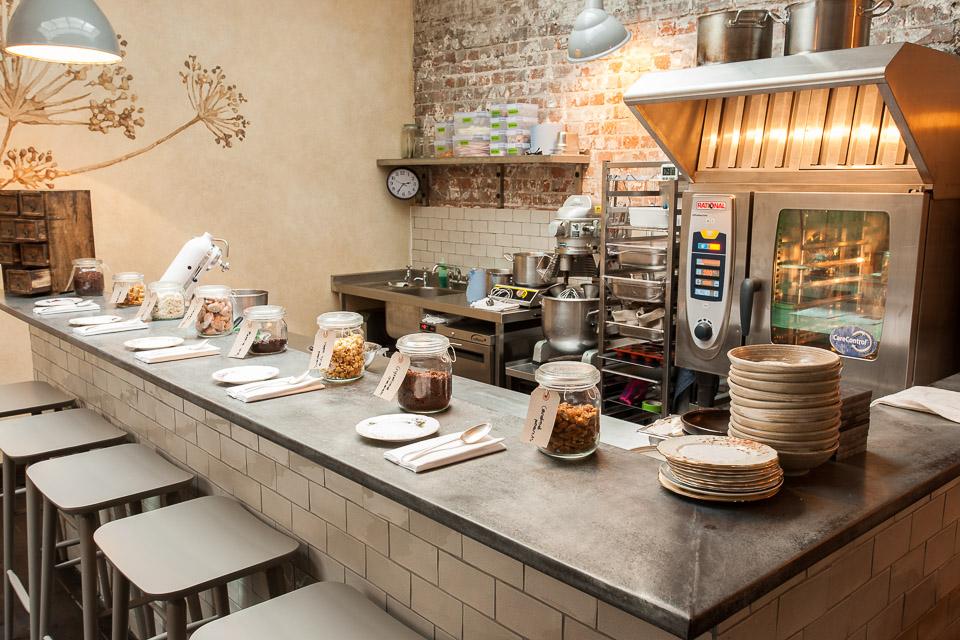 The manor clapham jonathan thompson photography - Desserte bar cuisine ...