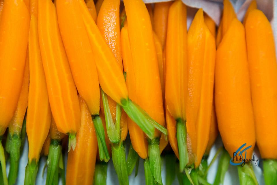 The Oxford Blue: Kitchen Prep, Carrots, Selfridges Corner Restaurant   www.jonathanthompsonphotography.com