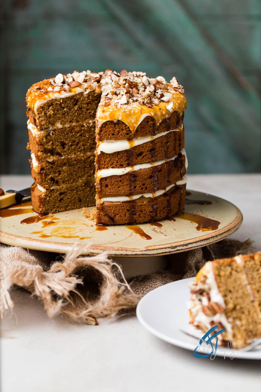 Cake shot with Lastolite Ezybox Octa for food photography